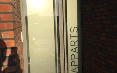 Portes en alu RAL 9009 à Visé (Liège)