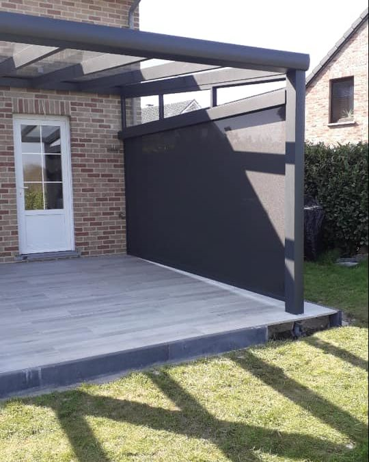 Pergola vitrée en aluminium à Liège RAL 7016
