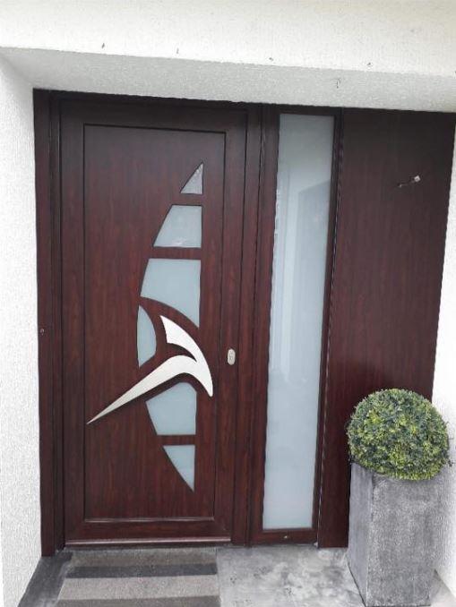 porte-entree-palissandre-panneau-frager-fralu-bungalow-soumagne