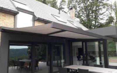 Installation de protection solaire RAL 9004 à Liège